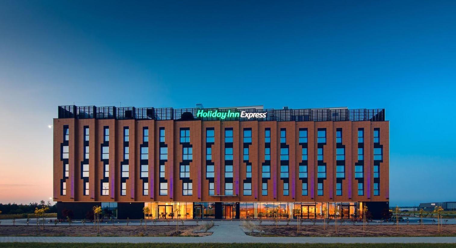 Hotel Holiday Inn Express przy porcie lotniczym Rzeszów Jasionka