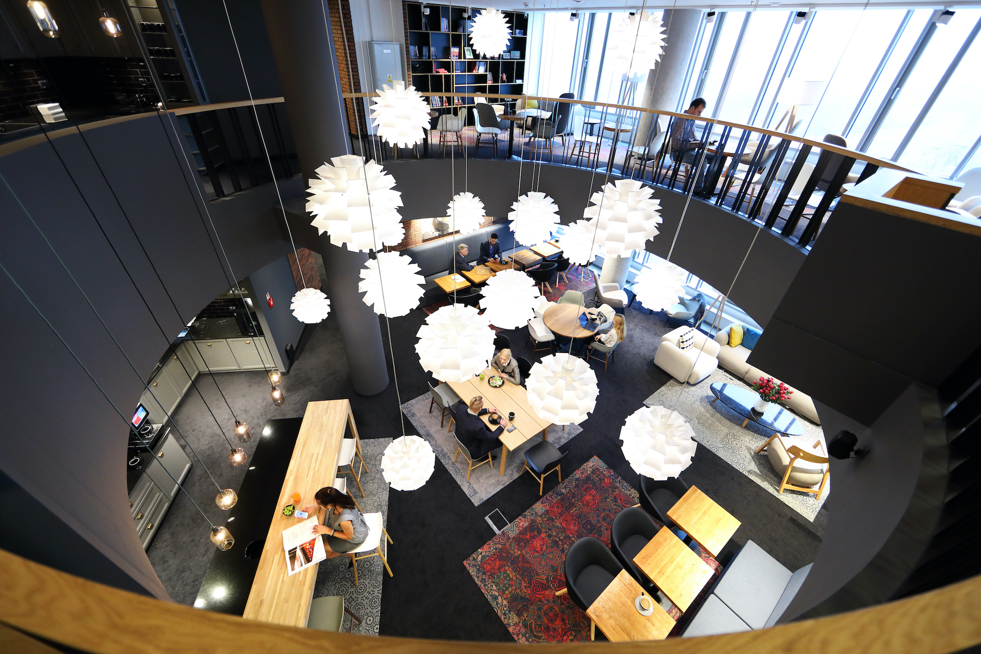 Wnętrze biurowe Business Link w budynku Zebra Tower w Warszawie